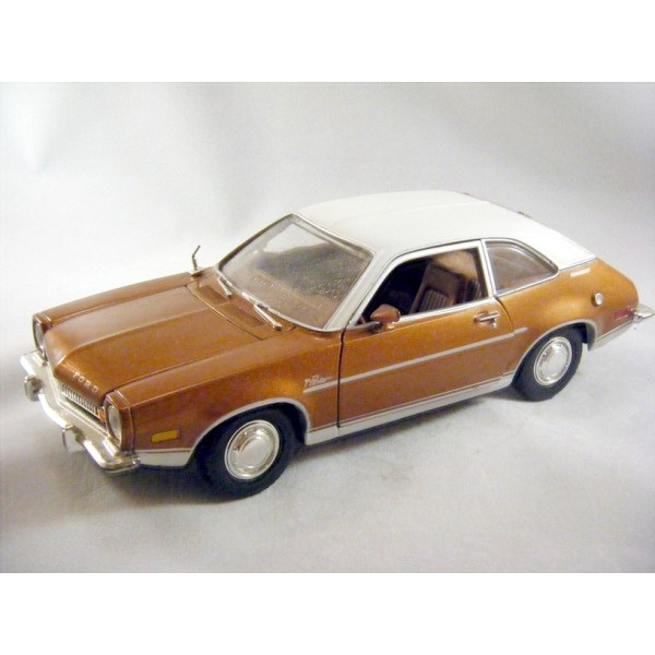 Ford Pinto Sedans And Ford: Motor Max Ford Pinto (1:24 Scale)