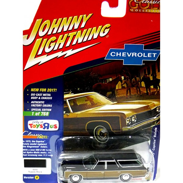 Johnny Lightning - Classic Gold - Limited Edition 1973 Chevrolet Caprice  Station Wagon