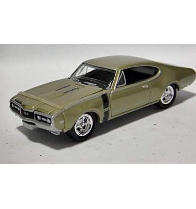 Johnny Lightning 1968 Oldsmobile 442
