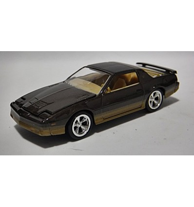 Johnny Lightning Forever 64 - 1985 Pontiac Firebird