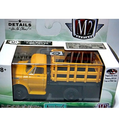 M2 Machines Auto-Trucks - 1971 Chevrolet C60 Stake Truck