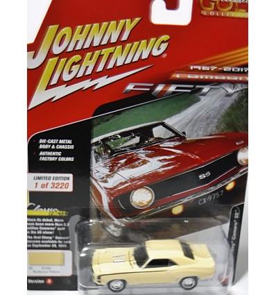 Johnny Lightning Classic Gold - 1969 Chevrolet Camaro SS