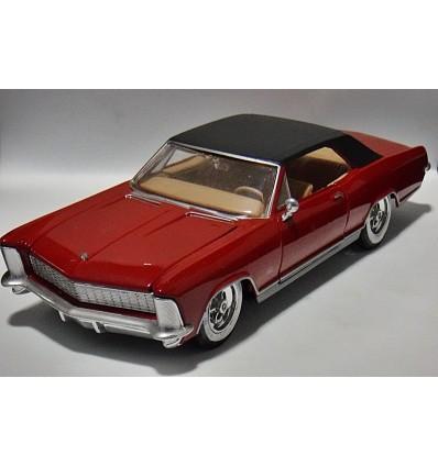 Matiso G Ridez 1965 Buick Riviera