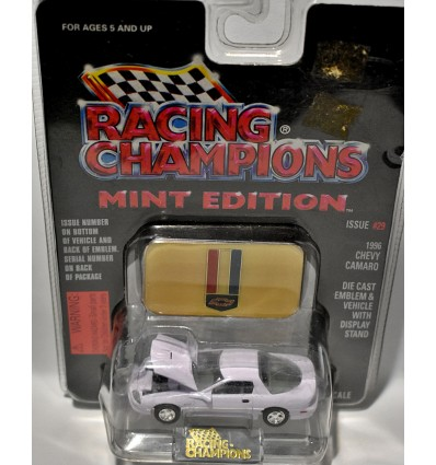 Racing Champions Mint Series - 1995 Chevrolet Camaro Coupe