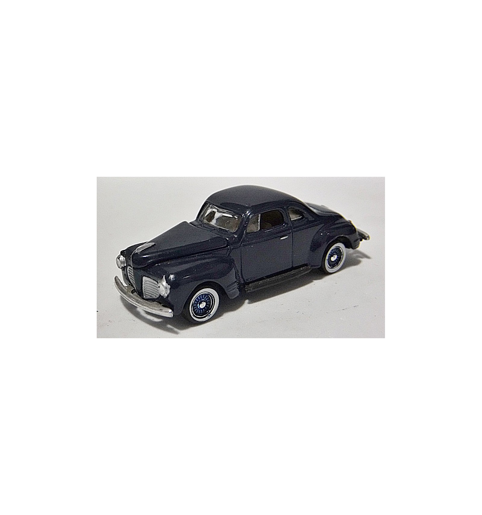 HO SCALE AUTO 1940 FORD COUPE