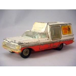 Corgi Junkyard (406-A1) 1959 Chevrolet Kennel Club Van