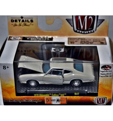 M2 Machines 1970 Oldsmobile Cutlass 442