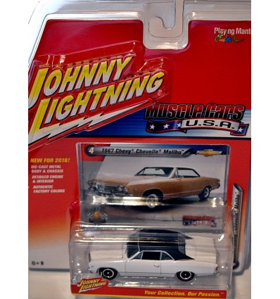 Johnny Lightning Muscle Cars USA - 1967 Chevrolet Malibu