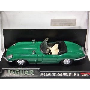 New Ray - 1961 Jaguar E-Type Cabriolet