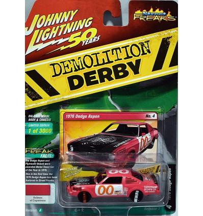 Johnny Lightning Street Freaks - Demolition Derby - 1976 Dodge Aspen