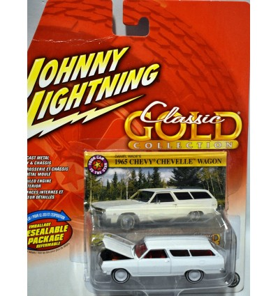 Johnny Lightning Classic Gold - Rare White Lightning - 1965 Chevy Chevelle Station Wagon