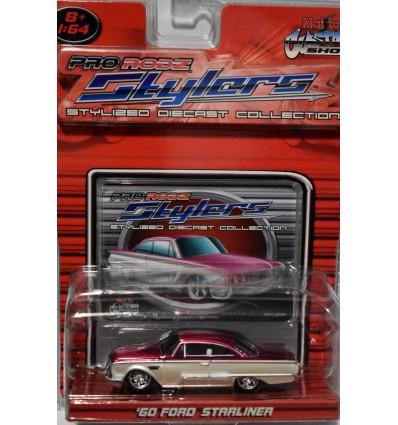 Maisto 1960 Ford Starliner