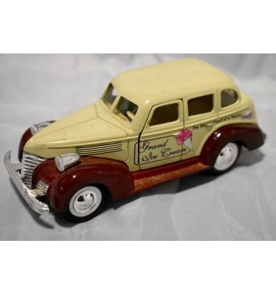 Sunnyside Vintage Ford Touring Sedan - Grand Ice Cream