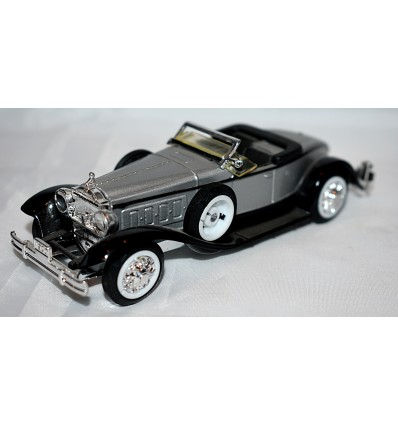 Ertl Vintage Vehicles - 1930 Packard Boattail Speedster