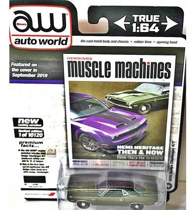 Auto World - 1970 Dodge Challenger R/T