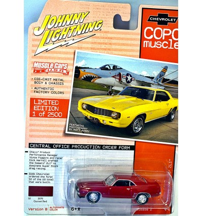 Johnny Lightning Muscle Cars USA - 1969 Chevrolet Camaro RS/Z28 COPO
