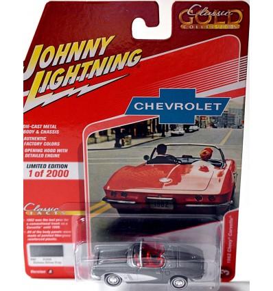 Johnny Lightning Classic Gold - 1962 Chevrolet Corvette Convertible