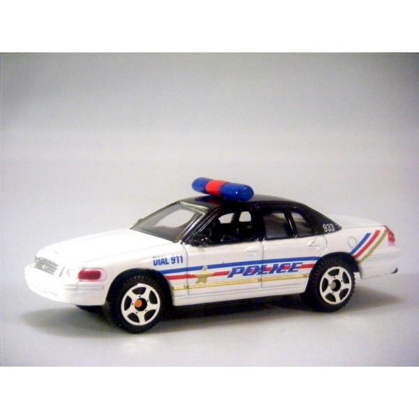 Fast Lane Ford Crown Victoria Police Patrol Car Global Diecast Direct