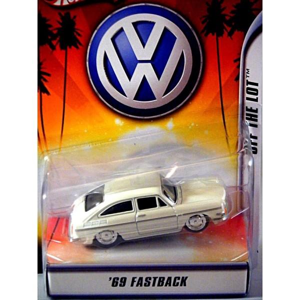 Hot Wheels VWs 1965 Volkswagen Fastback 143 Global