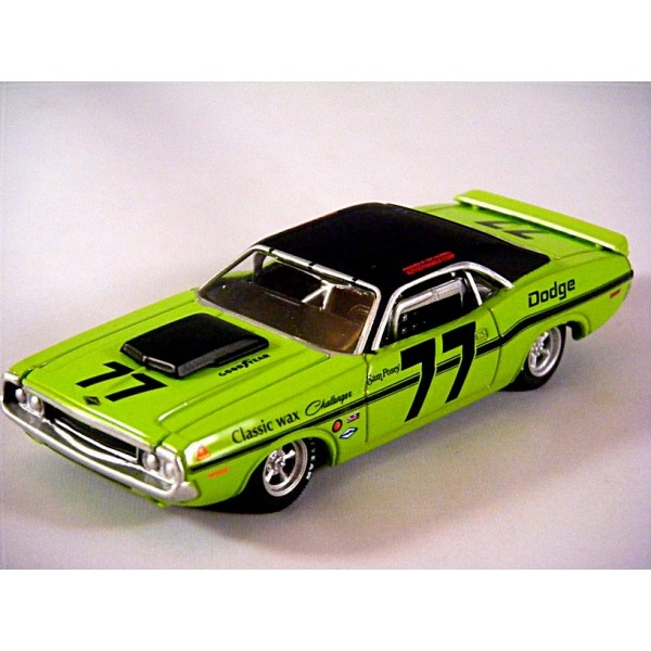 Greenlight Diorama Series 1970 Dodge Challenger Ta Road Racer